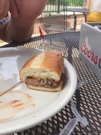 Neenah, WI: The Bronco sandwich & cheeseburger