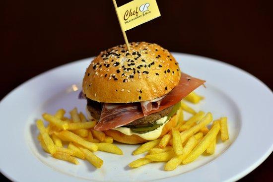 Zilina, سلوفاكيا: Zverinový hamburger 