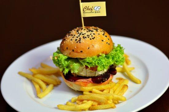 Zilina, Slovakia: Vege burger s kozím syrom