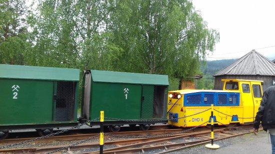 Kongsberg, Noruega: The train...