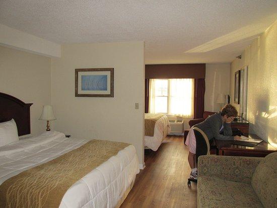 Atlantic Beach Hotel : room 210