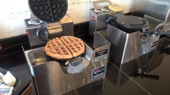 Saint Ann, MO: ทำ Waffle ด้วยตนเอง