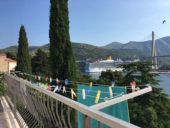 Villa Divine Dubrovnik: Gorgeous breakfast view