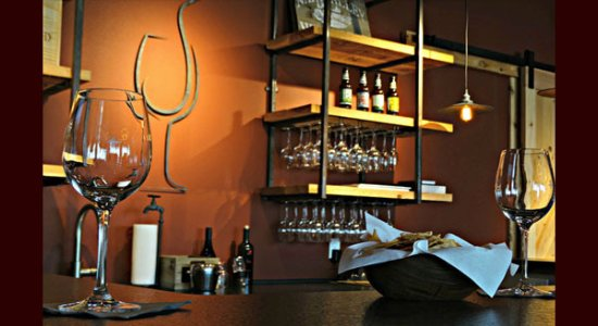 Lakewood Ranch Wine Store & Wine Bar - Fine Wine & Tastings on Main