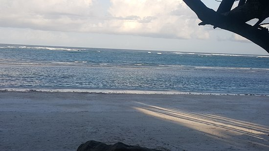 Swahili Beach Resort: 20170616_172730_large.jpg
