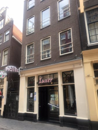 Hotel Luxer: From Warmastraat Street