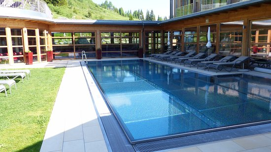 wellness pool auch f r kinder picture of mountain resort feuerberg bodensdorf tripadvisor. Black Bedroom Furniture Sets. Home Design Ideas
