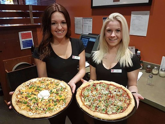 Fort Frances, Canadá: Buy one get one half off on all take out and delivery orders! The pizzas not the girls!