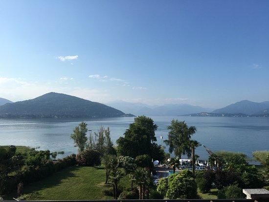Ranco, Italy: 9a c'est de la vue panoramique
