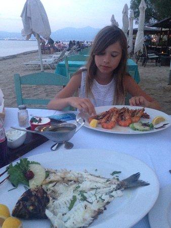 Peraia, Greece: Самая вкусная рыба и морепродукты на побережье