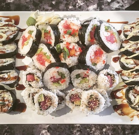 Blacksburg, Βιρτζίνια: Aloha and Kirby futo maki & Tiger roll uramaki