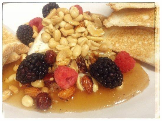 Λισαβόνα, Οχάιο: Pondi's Restaurant & Bar
