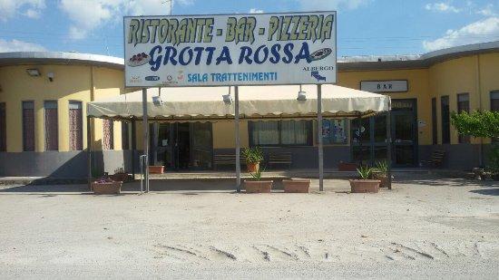 Canicatti, Italia: Ristorante-Bar-Pizzeria Grotta Rossa Balera
