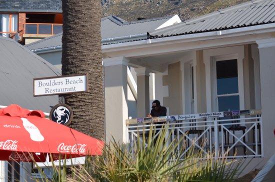 Boulders Beach Lodge and Restaurant: Fachada do Restaurante.