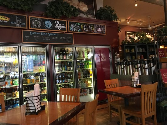 Magnolia's Deli & Cafe: Kraft beer selection