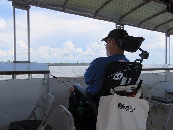 Santee, ساوث كارولينا: Power wheelchair onboard!