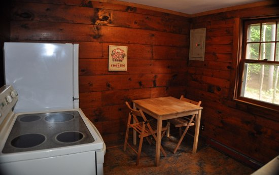 Pine Grove Cottages: cottage 9/10 (2BR) - eat in kitchen