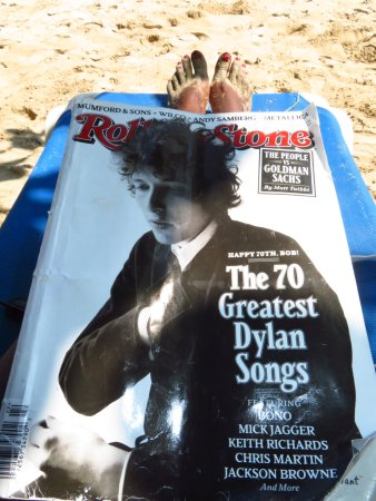 Playa Tortuga, Costa Rica: Gotta have reading material while chillin'!