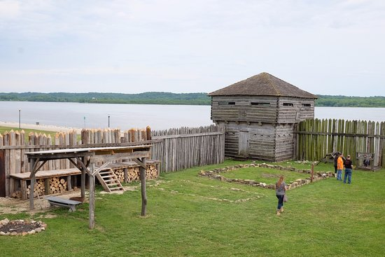 Fort Madison, IA: Two levels to explore