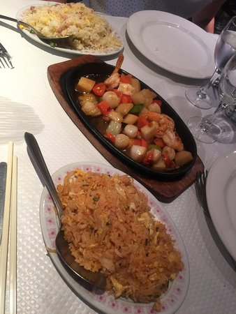 Gisors, Francia: Saint Jacques impériales et riz Thaï à l'ananas