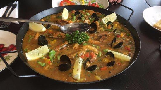 Leigh, UK: Paella deliciosa
