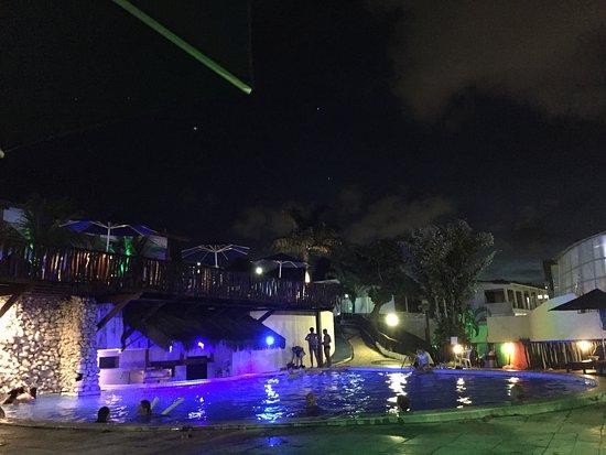 D Beach Resort: Area de piscina