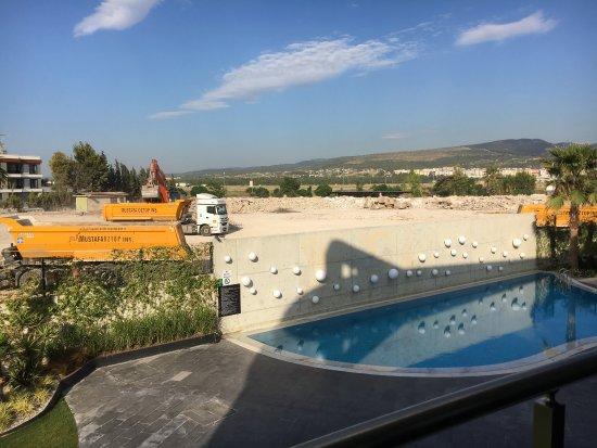Hotels Near Izmir Airport