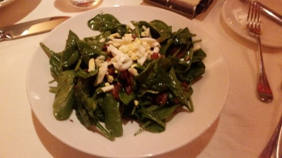 Sparks, NV: Spinach salad made at the table
