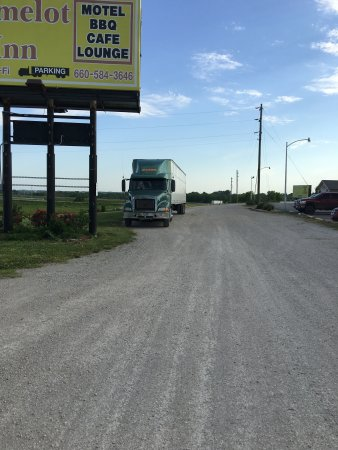 Higginsville, Μιζούρι: Truck Parking