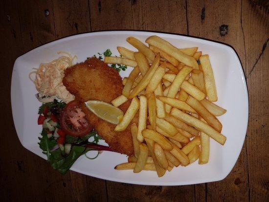 Leenane, Ireland: Fish and Chips excellent...ainsi que l'accueil et le service....👍😍