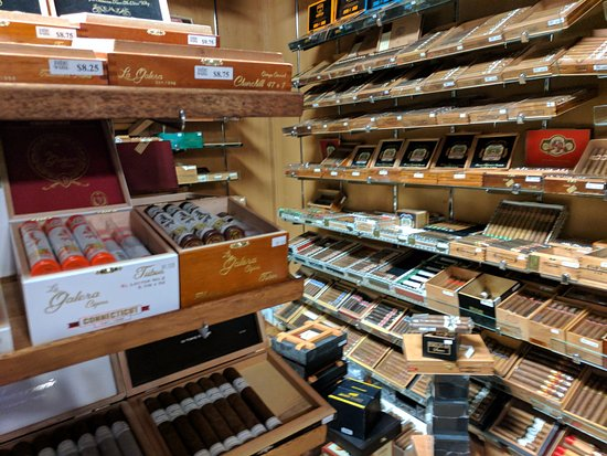 Greensboro, Carolina del Norte: Just part of their humidor