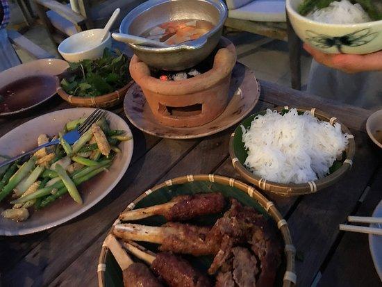 Cau Go Vietnamese Cuisine Restaurant: ブンチャー
