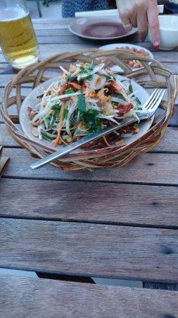 Cau Go Vietnamese Cuisine Restaurant: パパイヤサラダ