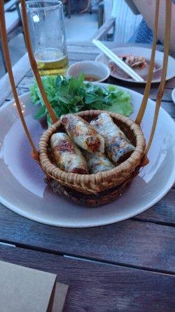 Cau Go Vietnamese Cuisine Restaurant: 揚げ春巻き