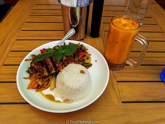 Teton Thai Plate: Ped Kar Pow Duck