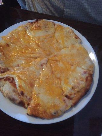 Ridgeway, SC: Four cheese pizza