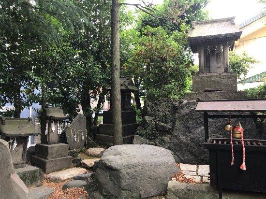 Hiraisuwa Shrine