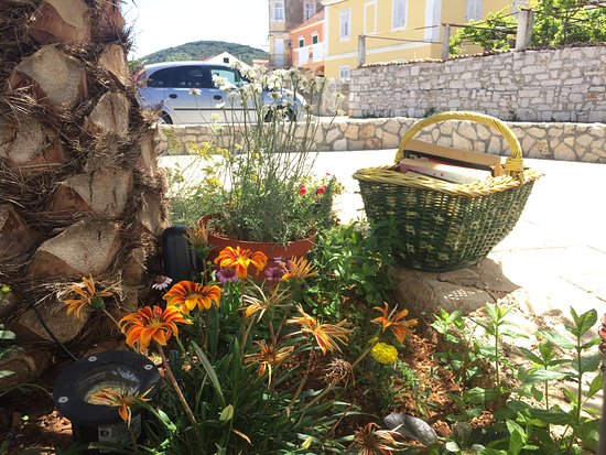 Preko, Croatia: Bookbasket