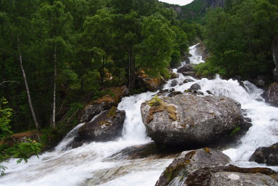 Skjolden, Norway: See from à distance the agitated river and its smalls waterfalls