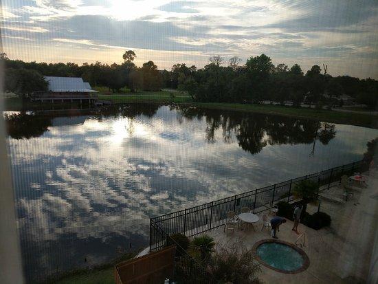 La Quinta Inn & Suites Biloxi: TA_IMG_20170617_191106_large.jpg