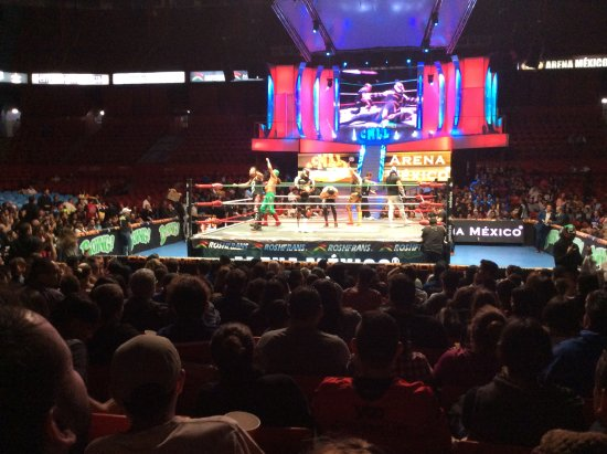Mexico City Urban Adventures: At the Mexican wrestling