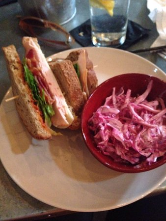 Emmaus, بنسيلفانيا: Turkey sandwich with coleslaw