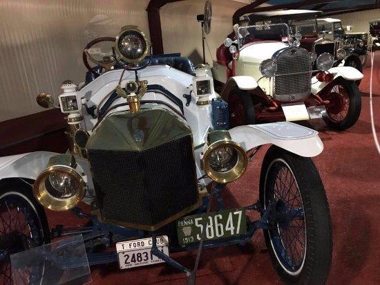 Forbes, Avustralya: old old cars