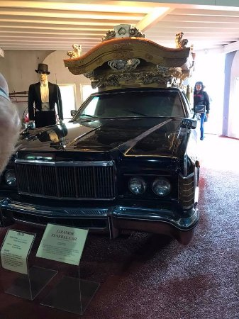 Forbes, Avustralya: japanese funeral car