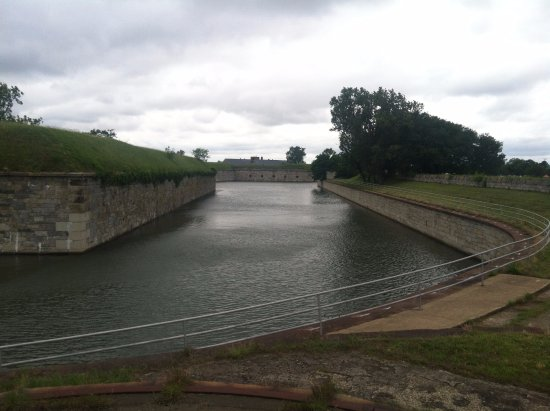 Monroe, VA: The Moat, you can walk around the top of it and view the pet cemetery.