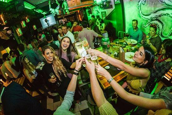 La Septima Central: Cheers! Somos Séptima!
