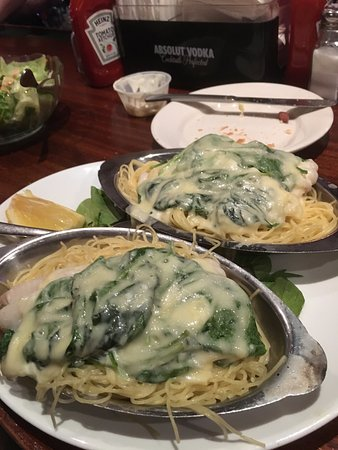 Westborough, Μασαχουσέτη: This was the Haddock Florentine, but too much spinach, not enough haddock