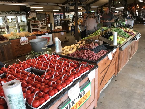 Clanton, AL: Durbin Farms market: produce (peaches & other local), sandwich choices, & ice cream choices