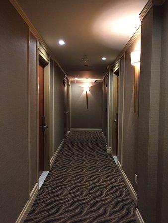 Hotel Chandler: Corridor