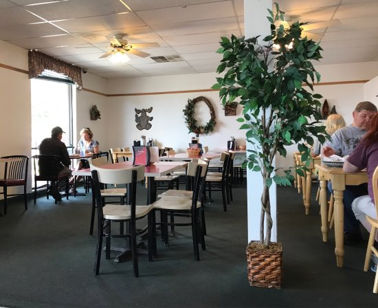 Big Moe's Eatery and Bakery: photo0.jpg